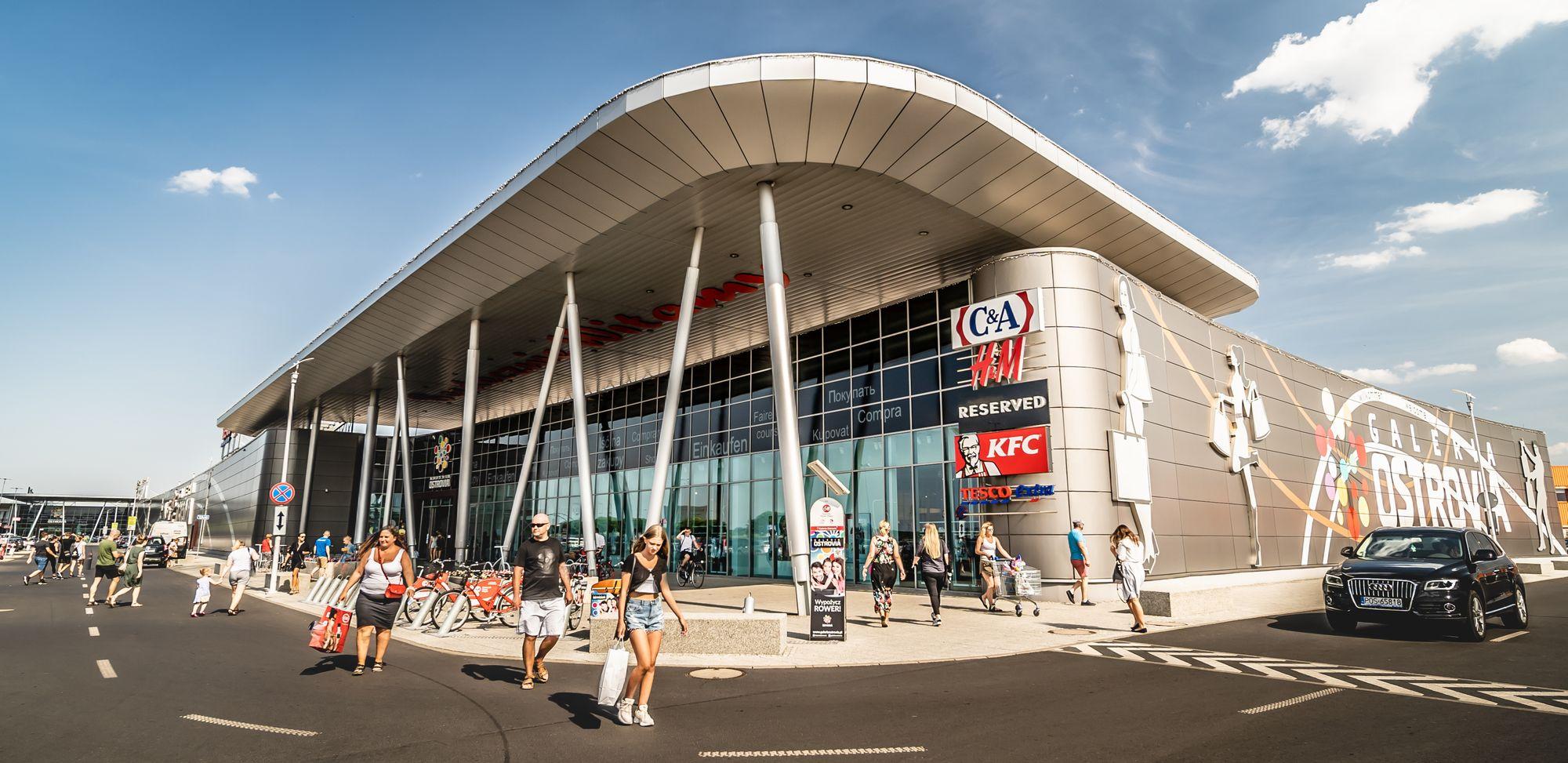 Sesja fotograficzna centrum handlowego - Galeria Ostrovia - TOP - Impatientstudio.pl