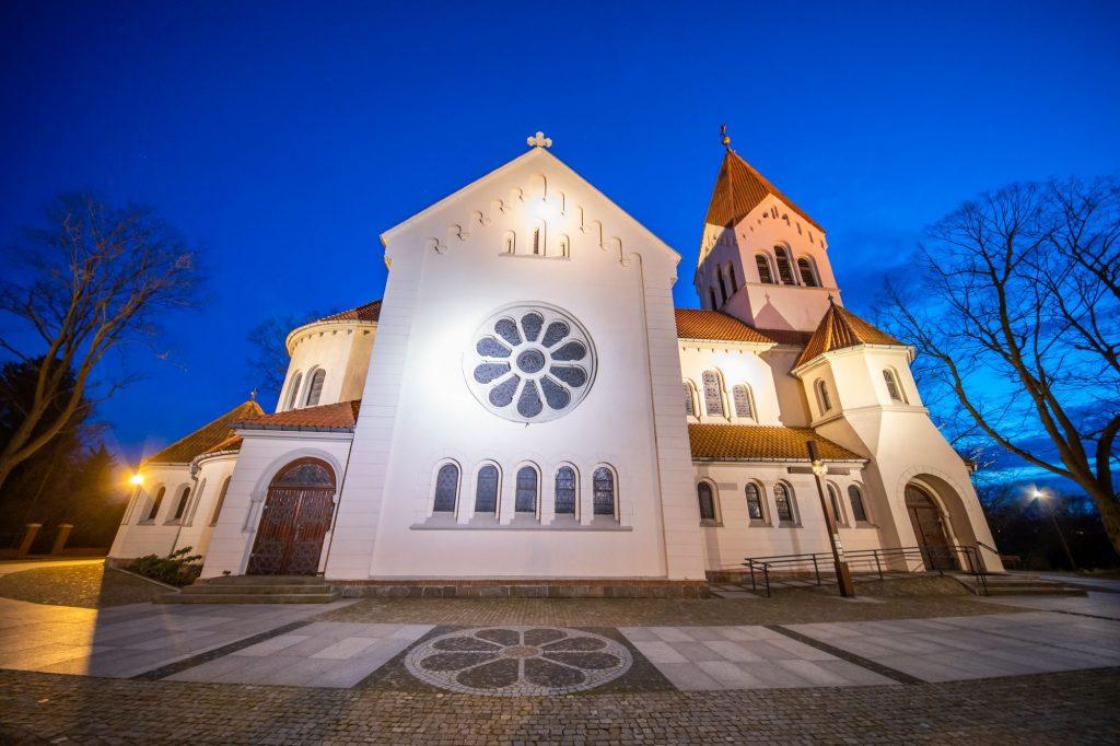 Sesje fotograficzne gmin, miast i regionów - kościół w Wirach - zdjęcia kościołów -Impatientstudio.pl