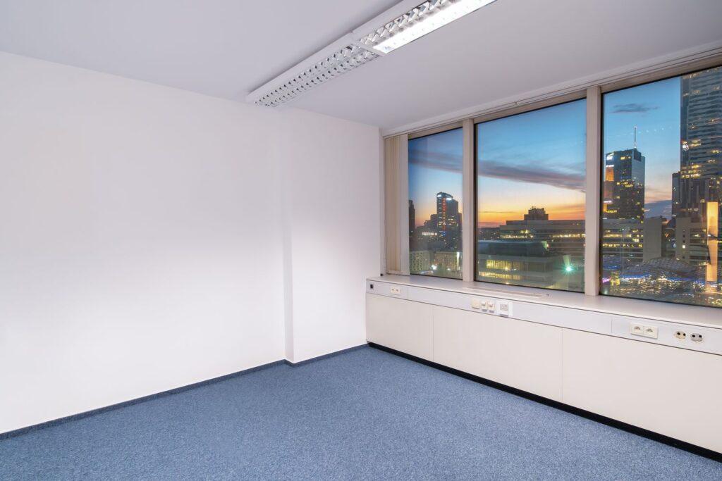 Fotografia nieruchomości - Centrum LIM Warszawa - zdjęcia wnętrz - Impatientstudio.pl